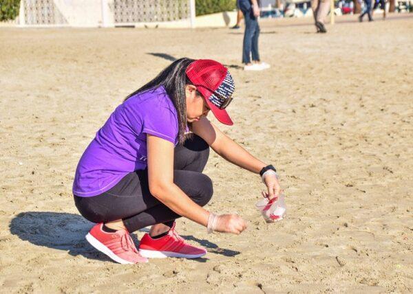 beach cleanup dubai